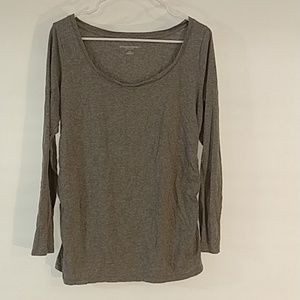 4/$25Liz Lange Maternity- long sleeve large (0156